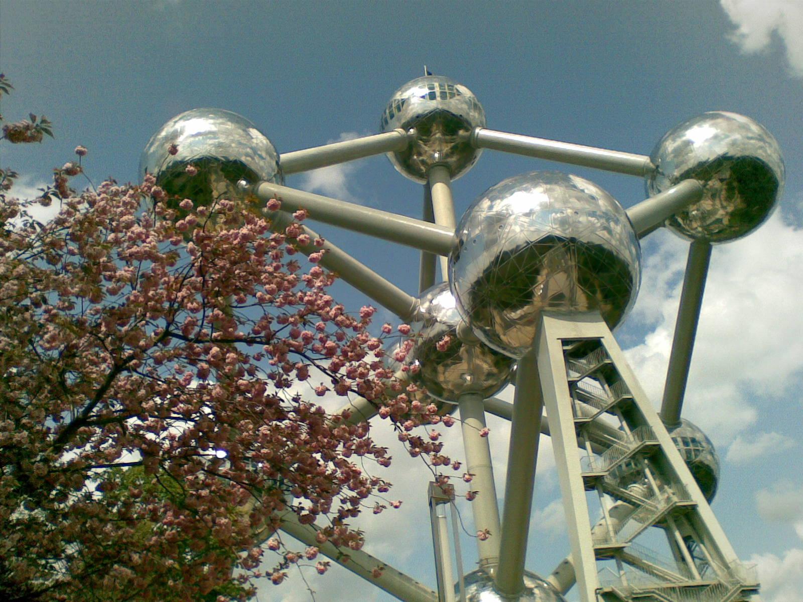 Atomium2